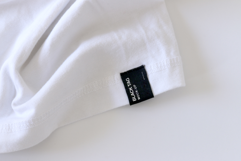 Tag Mockup: Black Tag Cloth Mockup